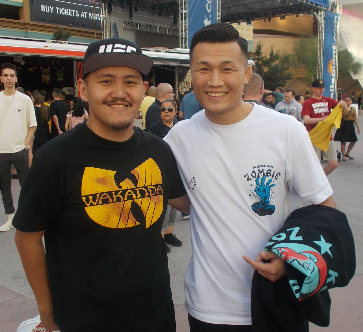 So a month before the #10thAnniversary of #GARCIAvsKOREANZOMBIE I met Chang Sung Jung. Nice timing, right? This was at the #UFC248 weigh ins. #WEC48 #Revisited #WECNeverDie @UFC #OnlyVegas https://t.co/MBrjdAVEqx