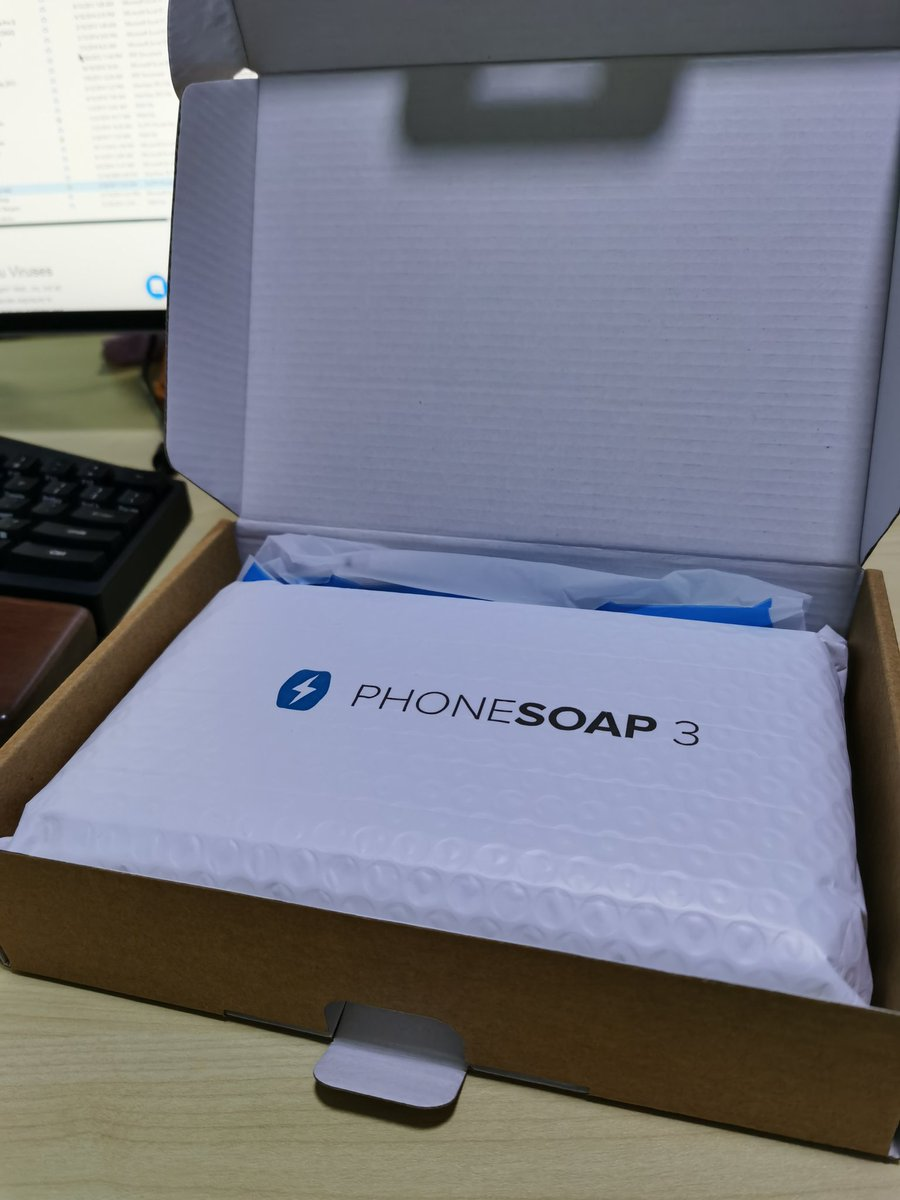 Look what just came in the mail #smartphone #sanitizer #phonesoap https://t.co/OgvTTa2J04
