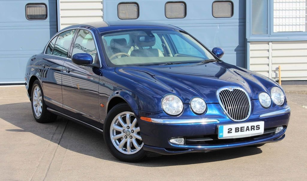 Jaguar S-Type 2.5 V6 SE Automatic 2004(04) 87,000 miles with Jaguar dealer & specialist service history,Lovely specification, HPI Clear.Two keys & owner's manuals present.Part exchange welcome, call now for details £1,895 #jaguar #stype #v6 #blue #jaguarstype #twobearsautomotivepic.twitter.com/c4k3NyZyrM