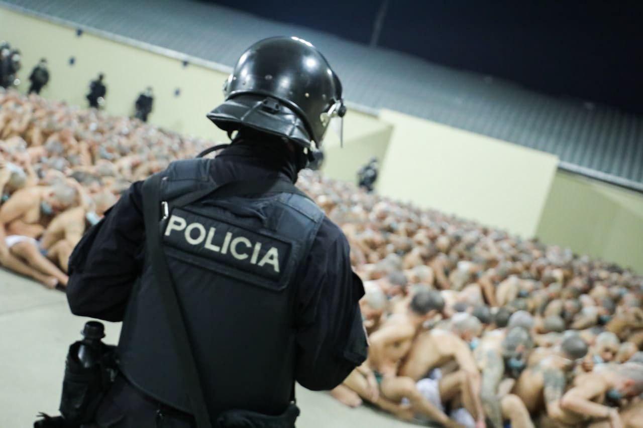 Ex presidente Funes: Ola de homicidios en las narices de la Policía y militares