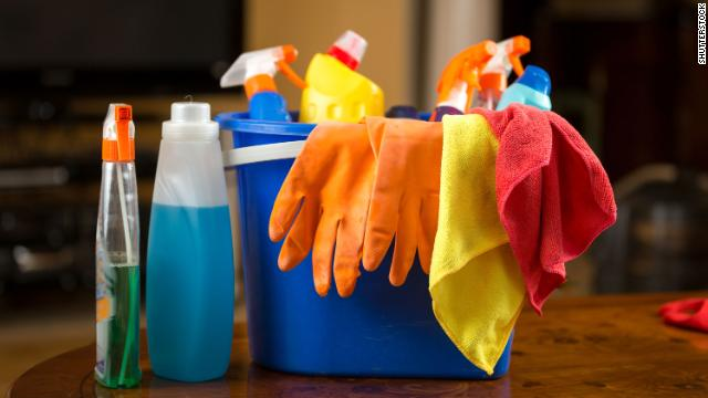 Illinois has seen a significant increase in calls to poison control the past two days, the public health director said, including calls about people ingesting cleaning solutions and bleach cnn.it/2SnO11t