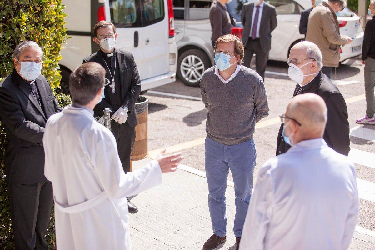 Almeida, Osoro y el Nuncio