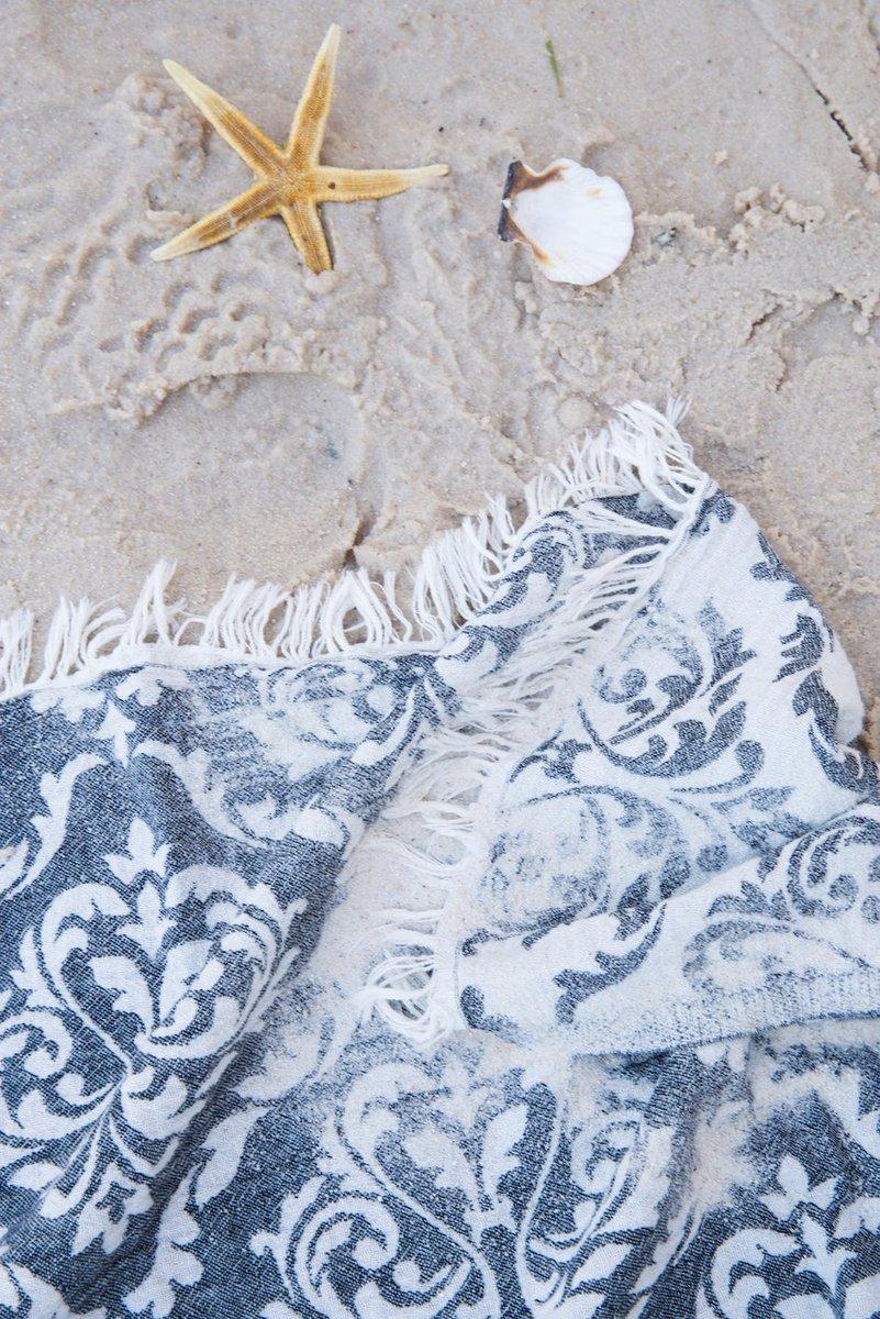 Use it everywhere everyseason ! #mebien #lightweight #throw #stole #scarf #wrap  #allseason  #multipurpose #giftforwomen #lighttowel #blanket #lightblanket #turkishtowel #beachtowel #amazongift #giftidea #beach2020 https://www.amazon.com/s?k=gifts+for+women&me=A3221V797JC5LR&ref=nb_sb_noss…pic.twitter.com/4C2w50qbjT