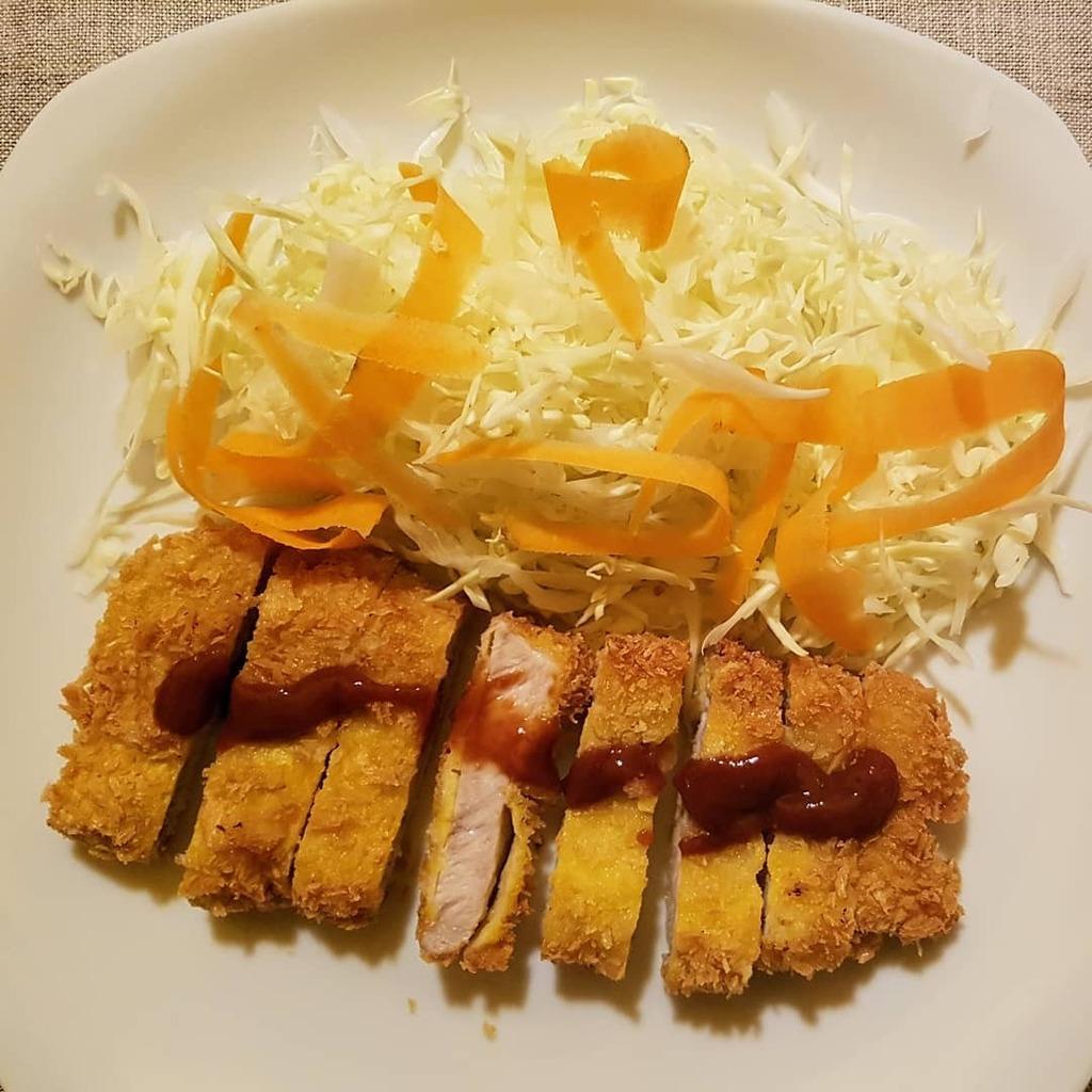 Tonkatsu, primi esperimenti  #tonkatsu #cibo #cibogiapponese  #food #japanesefood #homemade #fattoincasa #cucinando #esperimenti #esperimentiincucina #esperimenticulinari #cooking #buonappetito https://instagr.am/p/B_ayCR6KD9i/pic.twitter.com/9r9mSdQeq9