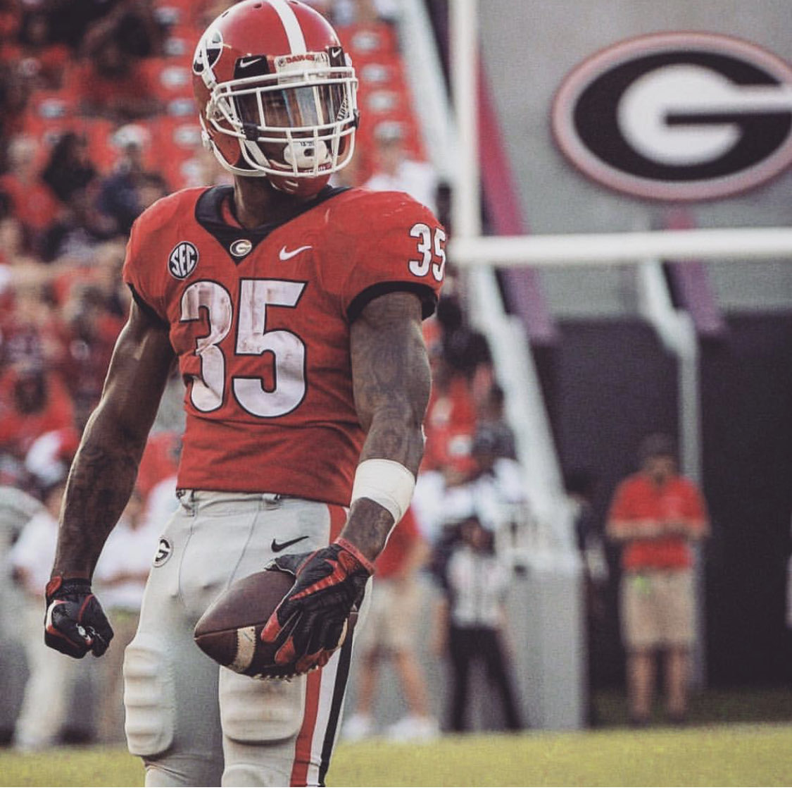 Couldn't be happier for @brianherrienn #DGD The @Browns got a GREAT teammate & even better person! Best of luck on the next level #RBU
