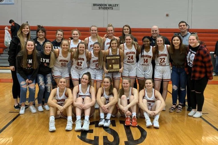 I can't wait to get back to normalcy and teach and coach our kids in person sometime soon.  Until then? I'm still forever an Aberdonian, Cavalier, and Wolf. But during these times, more than ever, very, very proud to be a Lynx.   #GoLynxGo #WeAreBV #LynxPride https://t.co/RASI3CtWBk