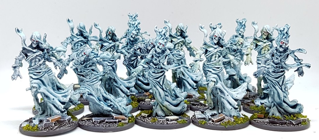 I can't decide whether to go BLUE or GREEN.. 🖌️🎨🖌️🎨 #spectralwalkers #greenhorde https://t.co/gD0K2BUuUH