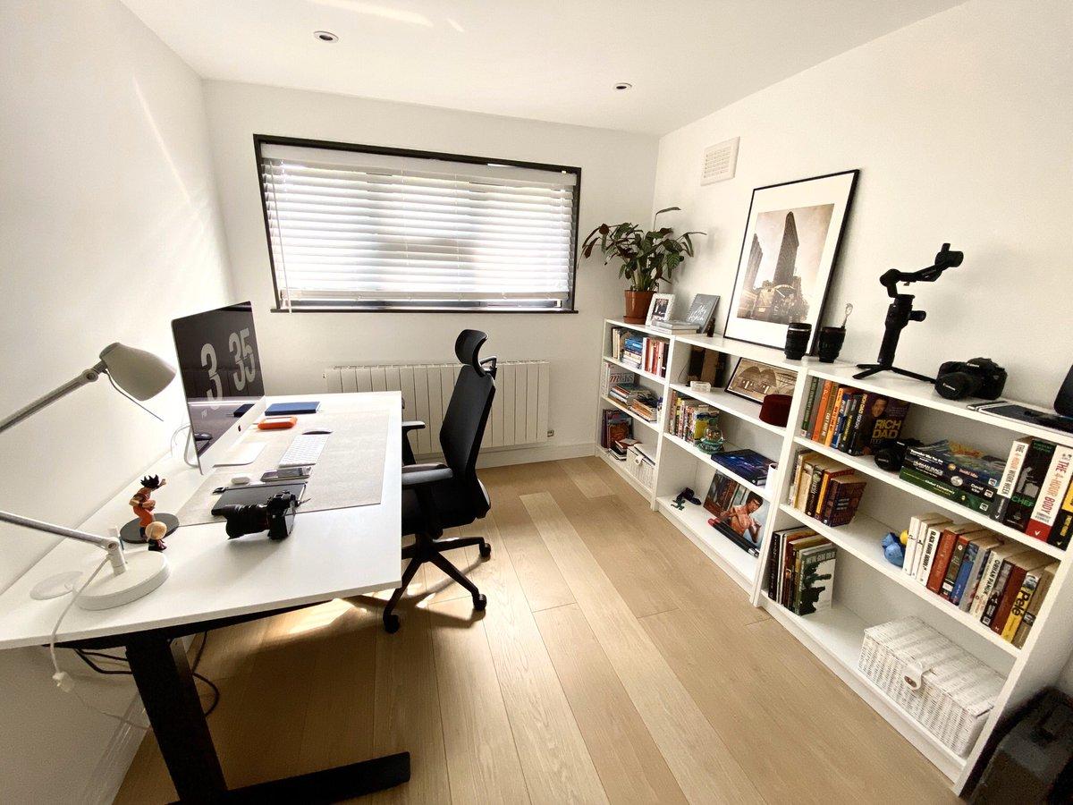 Desk & workspace setup:- 2020Lockdown Edition #Hustleanywhere #Setupmotivation #Minimalsource #Setupsgram #techsetup #dreamdeskpic.twitter.com/tmC52QODHn