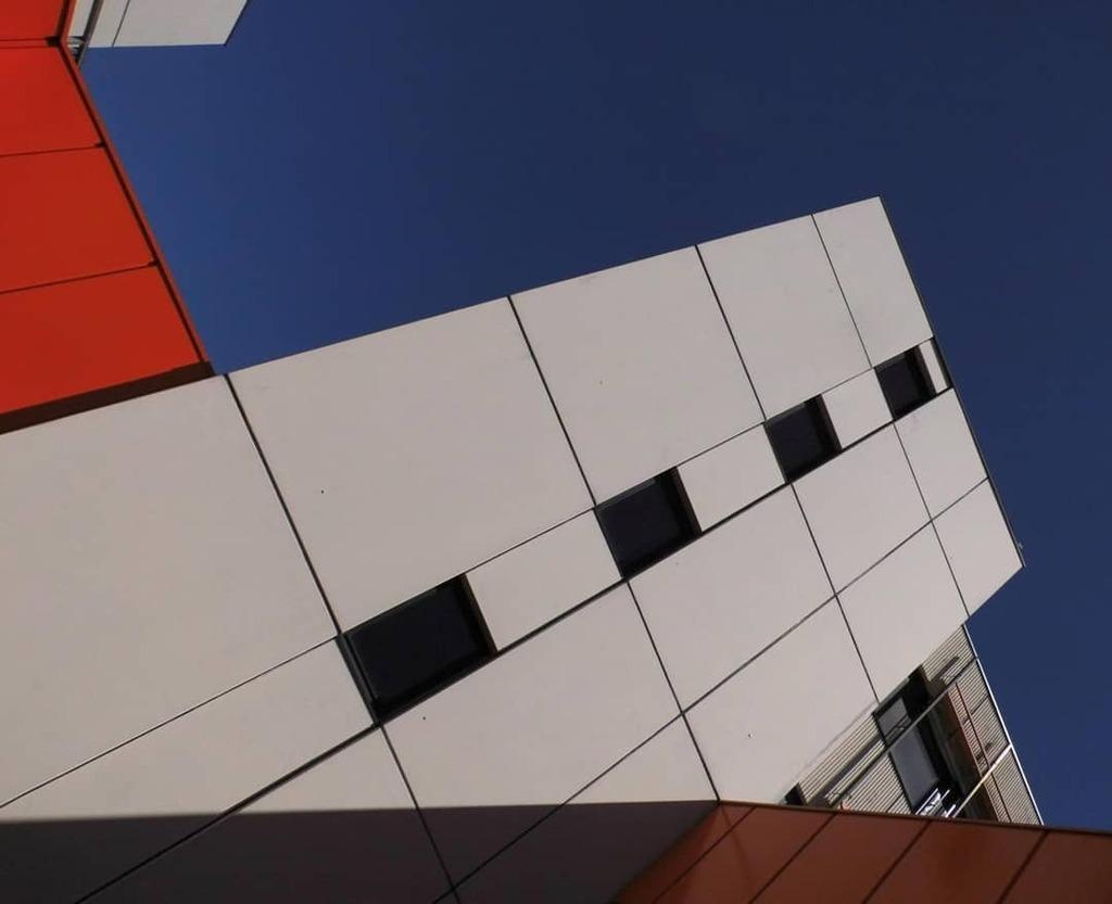 1969's formal language Bauhaus meets Wirtschaftswunder  #architecture #urban #hamburg #contemporary #hhexp #hamburg #hamburgfotografiert #hamburch #welovehamburg #rawarchitecture #architecturamx #architecturelovers #ciobartofbuilding #1960th #hamburgmein… https://instagr.am/p/B_dWQv8KMCT/pic.twitter.com/ccIXysoMLC  by Ed Sax
