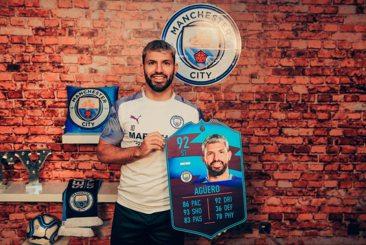 "Sergio Aguero on #FUT:  ""If you want to get colourful cards, you've got to get FIFA Points and put your card in to buy packs. It is like that. Don't expect something from EA because they won't give you anything...""  [via @Twitch] https://t.co/1U359KSiU6"