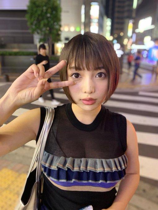 グラビアアイドル安位薫のTwitter自撮りエロ画像40