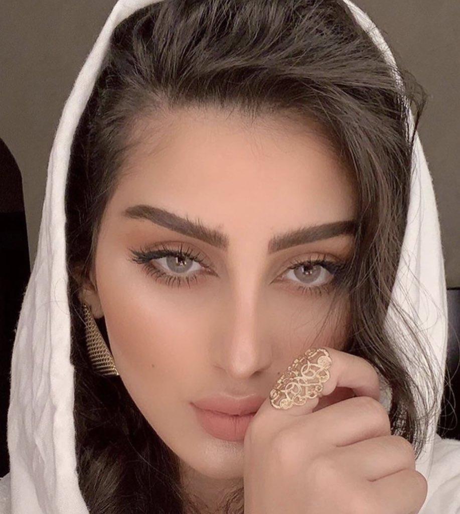 ملكة جمال الامارات تصف 6
