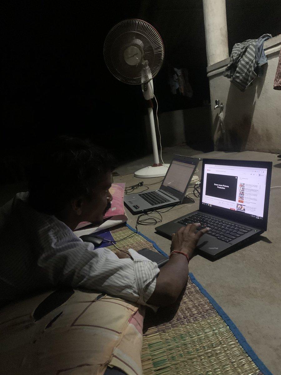 என்னோடு #WorkFromHome யில் இணைந்து படம் பார்க்கிறார்! திரு.வாசு தனுசு கவுண்டர்! #கிராமத்தில் இயற்கை எழிலோடு இரவுப்பொழுதில்..... #CoronaLockdown https://t.co/7dZLCghQJM