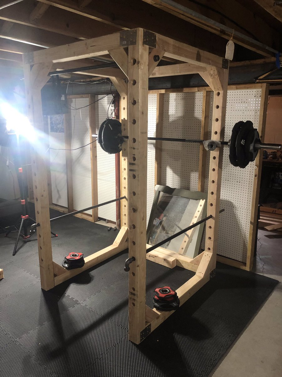 Ryan Carvel RB/LB 2021 is headed to St. Lawrence University to continue his football career and complete a Physics / Engineering  Degree (Clarkson U). He just completed his HomeMade Basement Squat Rack! I think he chose the correct career choice! @SLU_Football #FootballGrind pic.twitter.com/zjI1YUeo80