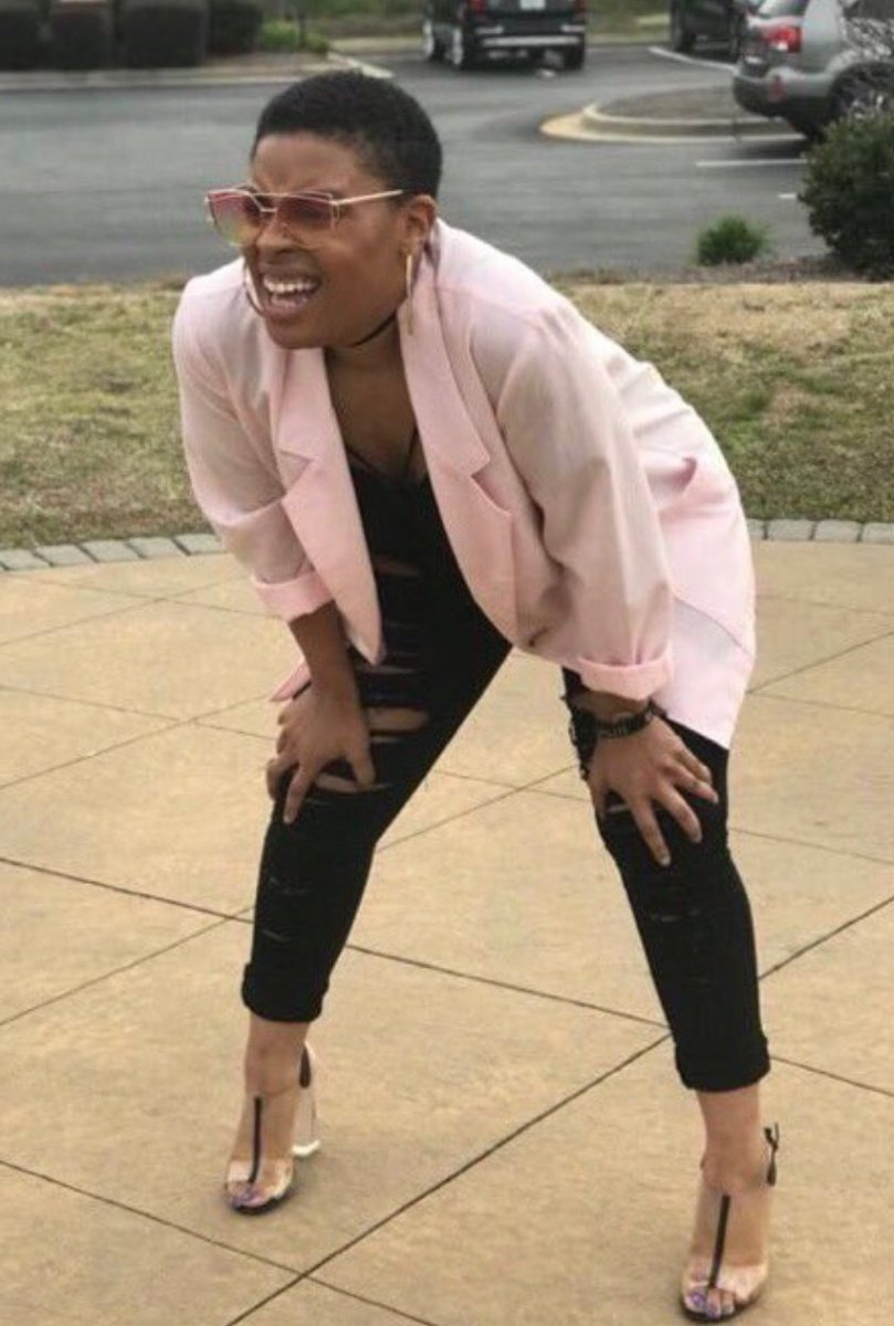 Me hitting the pause button to see if that was Tyler at the end of #ExtractionNetflix  10/10, ⭐⭐⭐⭐⭐ & 👍👍