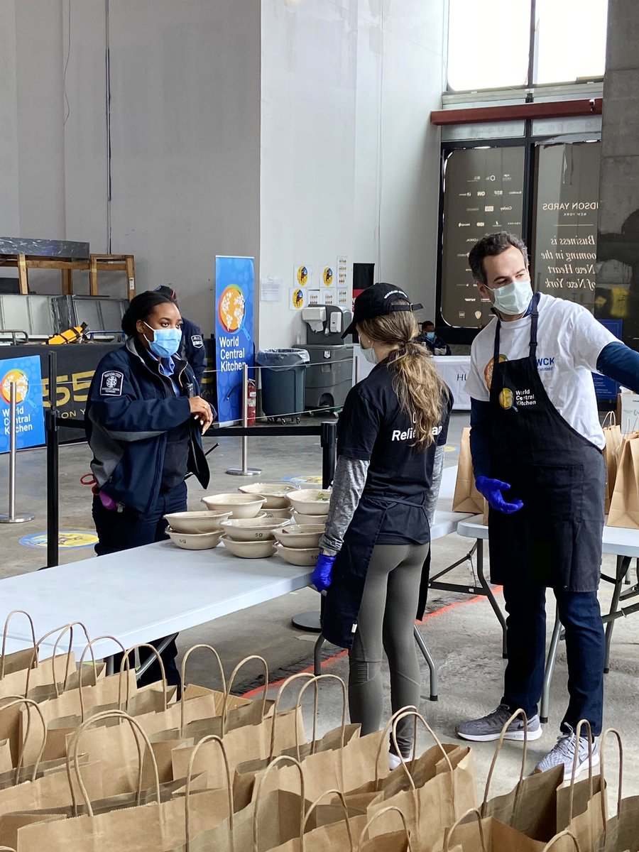Over 38,000 meals served to our heroes from the @WCKitchen outpost at 55 Hudson Yards! Continue to help us reach our goal by supporting HY❤️WCK: Relief on the Hudson at bit.ly/ReliefOnTheHud…