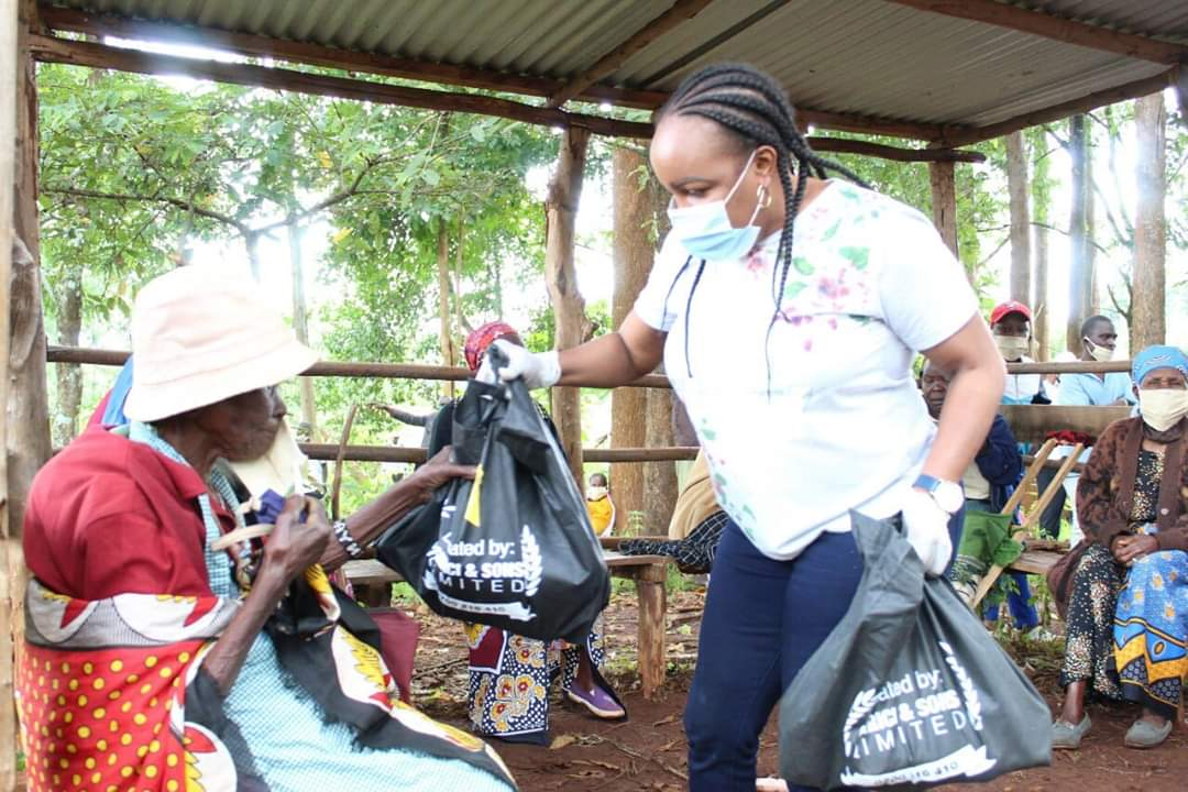 Residents of Githure in Gichugu have also received their masks, sanitizers and foodstufs package.