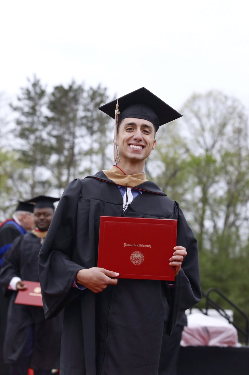 President Gregory has announced that the 2020 Lisle Commencement Ceremony is being rescheduled for Sunday, October 18 (Homecoming Weekend). A date for the Mesa campus commencement ceremony will be announced soon. Get ready to celebrate! #BUnited #WeAreBenedictine https://t.co/kqbnuDDKLT