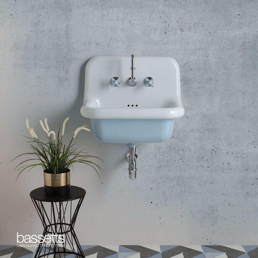What's new, cute and now available at Bassetts? Our new retro-style ceramic basins all the way from Italy! Need, need and need. https://t.co/7uTRglVaHa