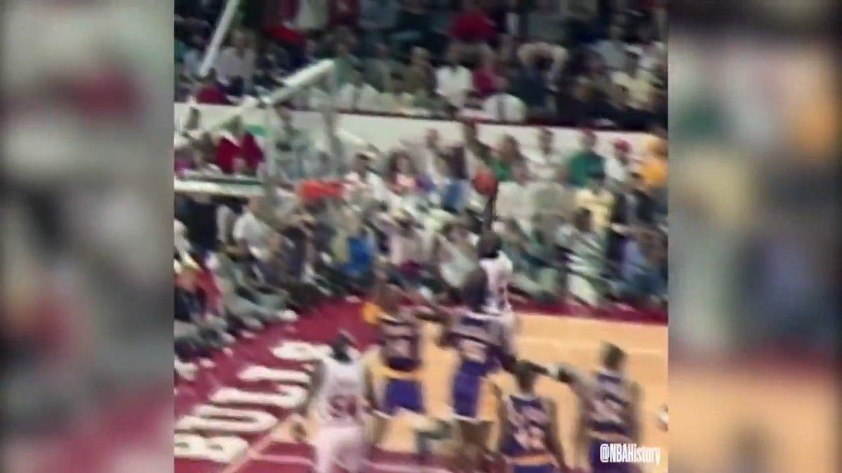 Esta canasta. Al detalle.    Michael Jordan. Game Winner. 1989 #NBABreakdown https://t.co/DKBXTjj8JB
