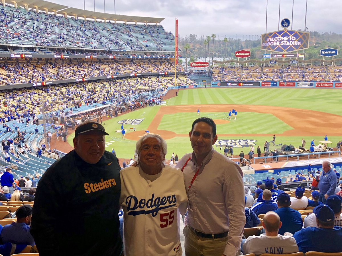 RIP, Uncle Rich. He passed away this morning at a Northern California hospital after more than three weeks in the ICU. He worked for the Sharks and was a fixture at the arena for more than two decades. He was also a Dodgers fan (and my godfather). https://t.co/Y87co9tHKb
