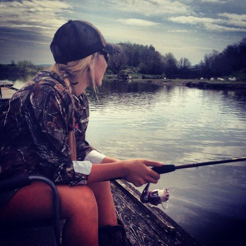 Where's all the girls who love to fish? https://t.co/bwhfiBQdf4