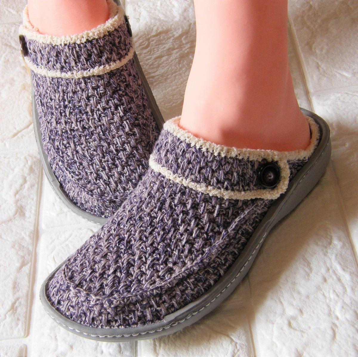 今日から魔改造★靴を編む人シリーズの販売始めました  ミンネで商品名は 『手編みのクロックス風ルームシューズ』です  興味があったらのぞいて下さい(n*´ω`*n) さっき開設したばかりなので 今後調整は必要そうですが  ご無沙汰でしたが ただいまんもす~  #靴編み #かぎ針編み