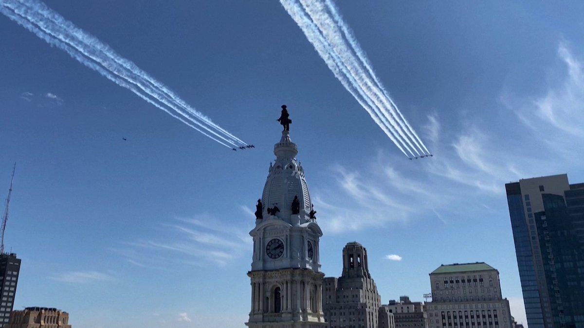 🇺🇸 Deux escadrons de l'armée américaine survolent New York pour rendre hommage aux soignants
