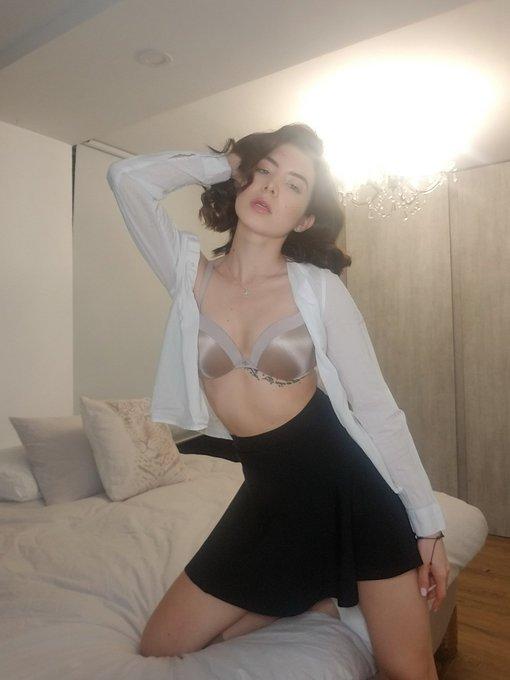 1 pic. Feeling very sexy ¡ https://t.co/b5tp1LiBUq