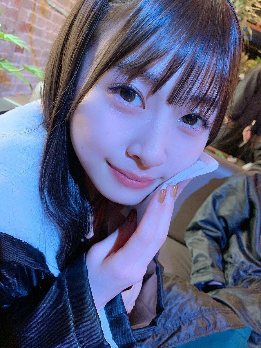 はなちゃんのインスタライブ見たけど可愛すぎる。。 喋り方が小さい子みたいだしとにかく可愛い💕  #松岡はな https://t.co/Ge8LBd6n1K