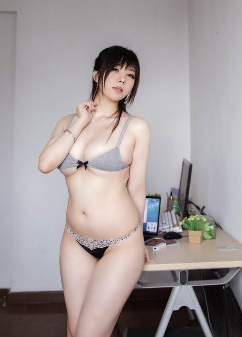 コスプレイヤー鹿野希のTwitter自撮りエロ画像51