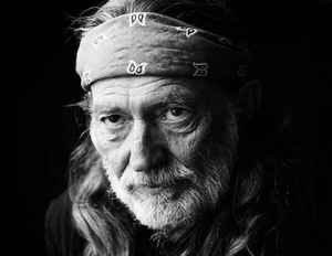 My Heroes Have Always Been Cowboys🎵🎶 Happy 87th birthday to the Texas legend himself Willie Nelson