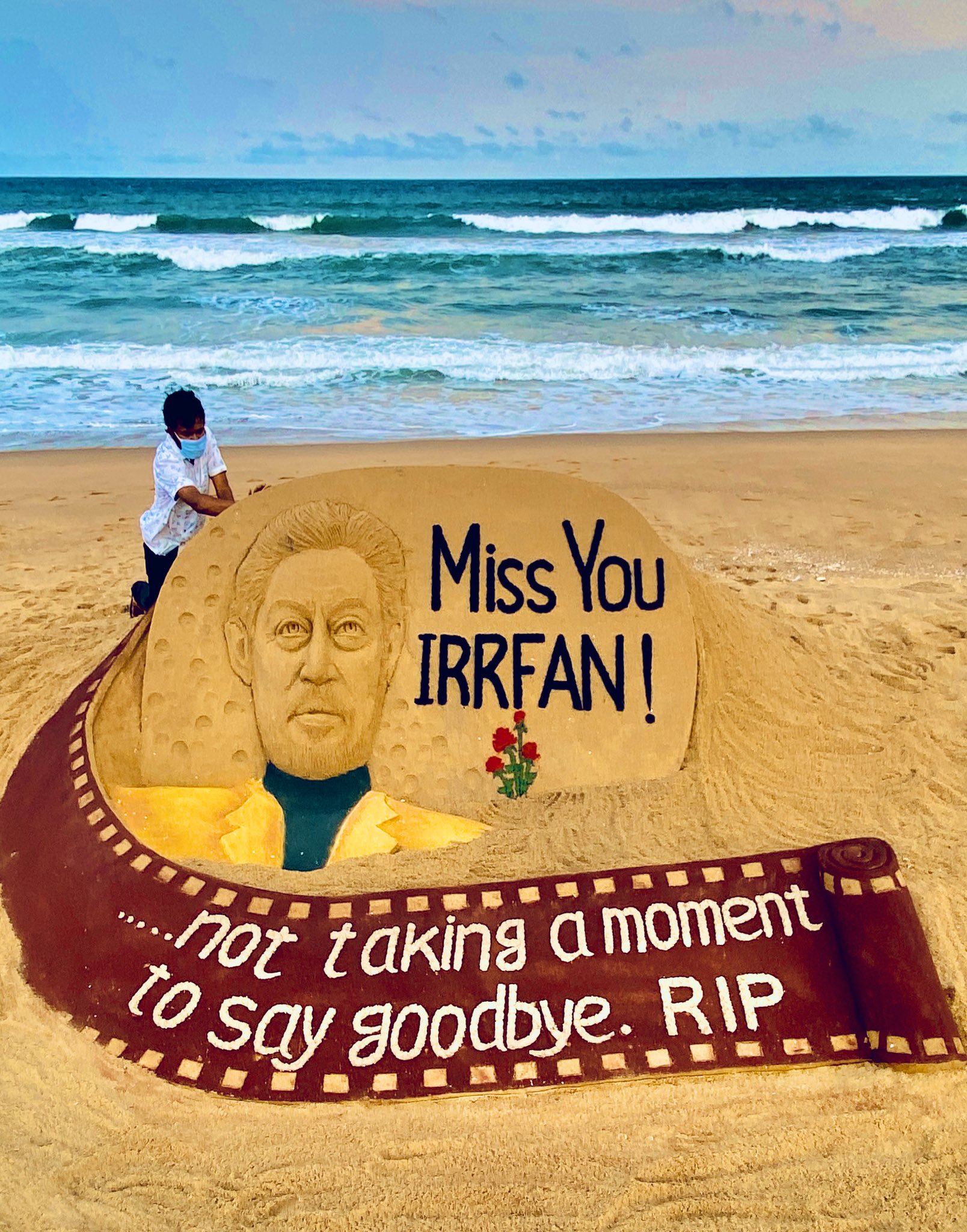 Renowned sand artist Sudarsan Pattnaik on Wednesday gave a 'Sandy Tribute' to Actor Irrfan Khan