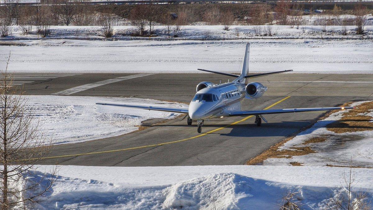 Busy Business Jet Action  Samedan Airport 22.02.2020  Video  on YouTube by crosswind  #csdxy #cessna #cessna560xl #citationxls #NetJetsEurope @netjets @cessnacitation #valleylanding  #privatejet #businessjet #planespotting #samedanaiport #EngadinAirport #stmoritz #aviation https://t.co/PV63hgWh3N