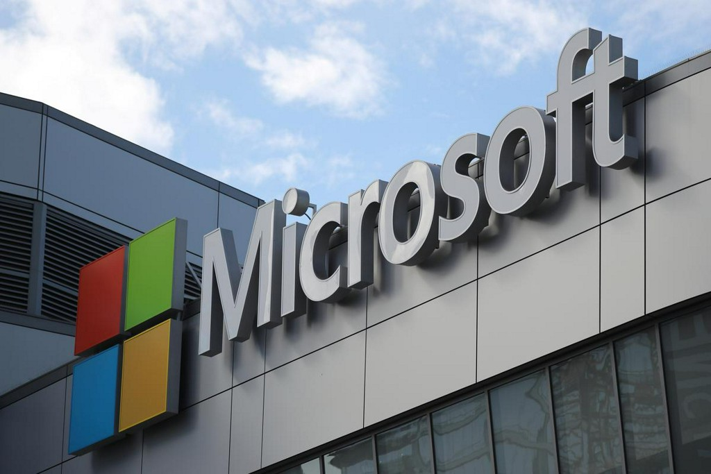 Microsoft revenue beats as remote work feeds cloud demand, boosts Teams