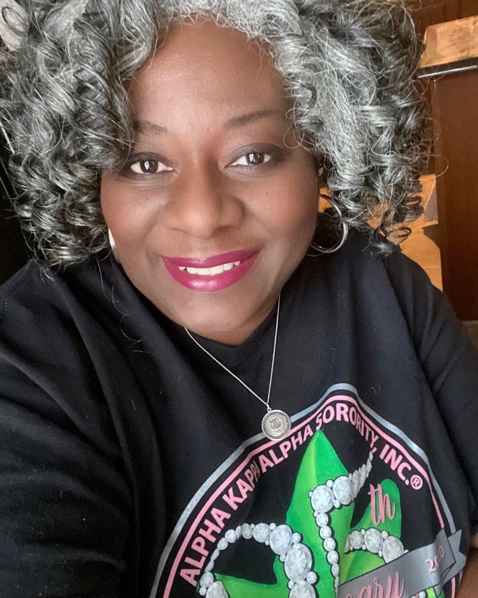 Happy Charter Day and 25th Anniversary UEO!  ⠀⠀⠀⠀⠀⠀⠀⠀⠀ Michelle Harris, 10th President ⠀⠀⠀⠀⠀⠀⠀⠀⠀ #AKA1908 #AKASouthEastern #AKAUEO #AKAUpsilonEtaOmega #AKAUEOTurns25 @akasorority1908 @AKASouthEasternpic.twitter.com/wUpNR3P6hc
