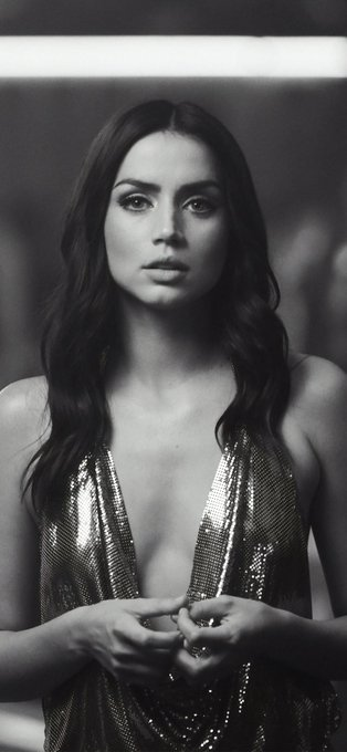 Happy birthday to the stunning Ana De Armas who turns 32 today and the amazing Gal Gadot who turns 35.