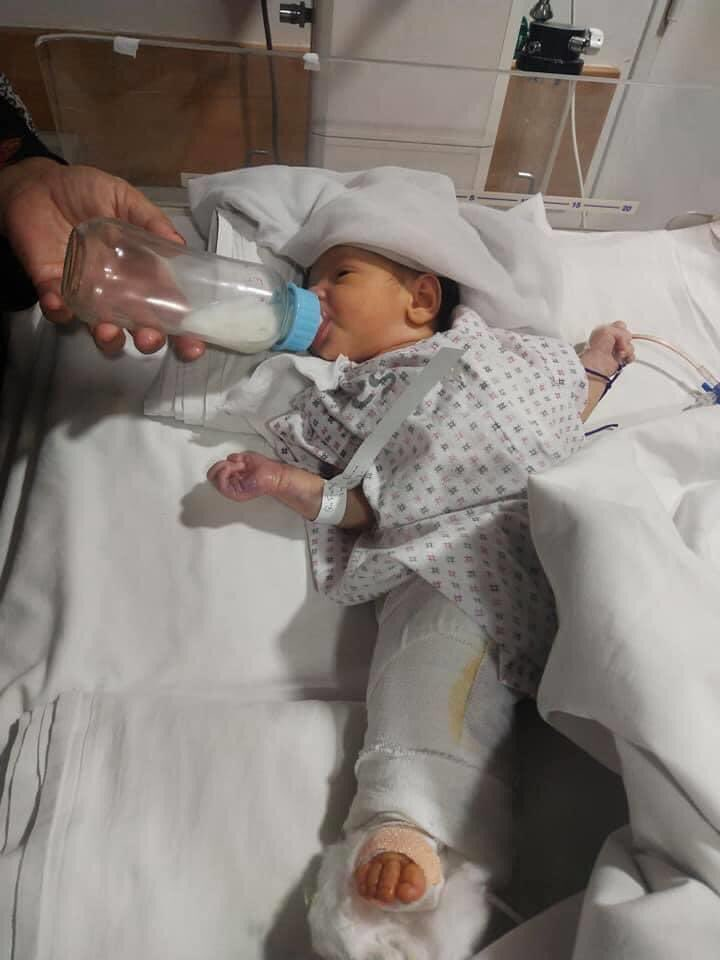 The strongest baby girl i have ever seen in my life! She was shot by brutal terrorists but survived and injured. Her first operation was done successfully and she is waiting to get the second operation. Let's pray for this little angel to get full and speedy recovery 🤲🏻 https://t.co/al8xfbuXkW