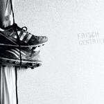 Image for the Tweet beginning: Noch hängen die Schuhe am