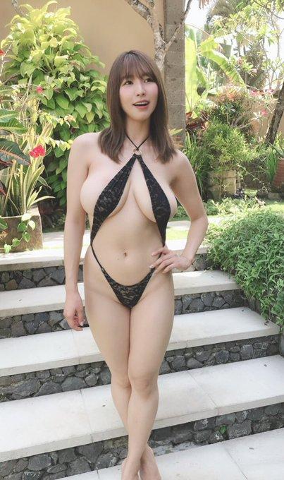 グラビアアイドル夏来唯のTwitter自撮りエロ画像24
