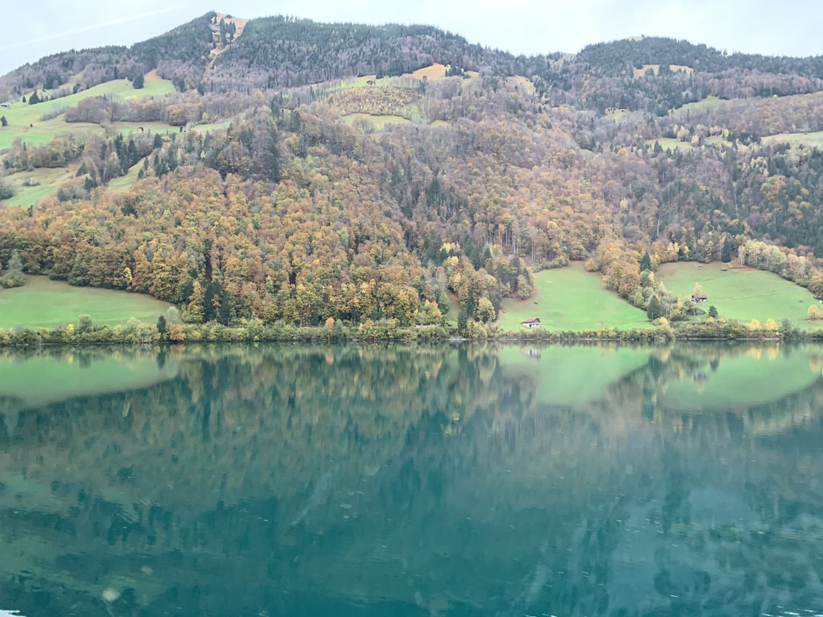 3-Nov-2019 : Stunning countryside by Lake Lungern, Switzerland . Clear green water - one can sit for hours in serenity, panoramic views , wanderlust.  #lake #lakelife #countryside  #fiftyshades_of_nature #shadesofgreen #water #purenature #stunning #stunning_shots #reflectionspic.twitter.com/jVrnArnrDG