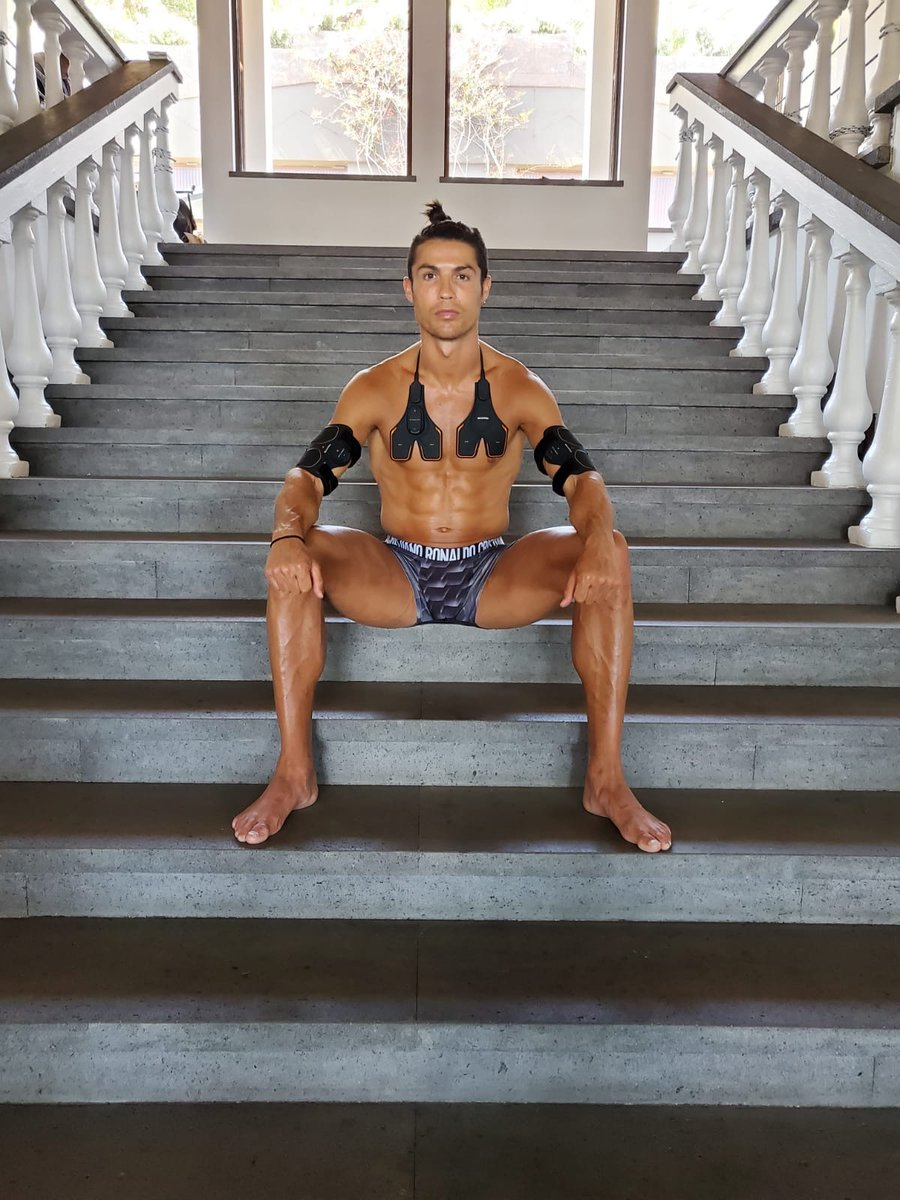 Home workout with EMS training gear SIXPAD. Stay Fit and Stay Positive! @sixpadeurope https://t.co/a1KWPXzoxe #SIXPAD #traininggear #Homeworkout #stayfit https://t.co/lU60WsYfXr