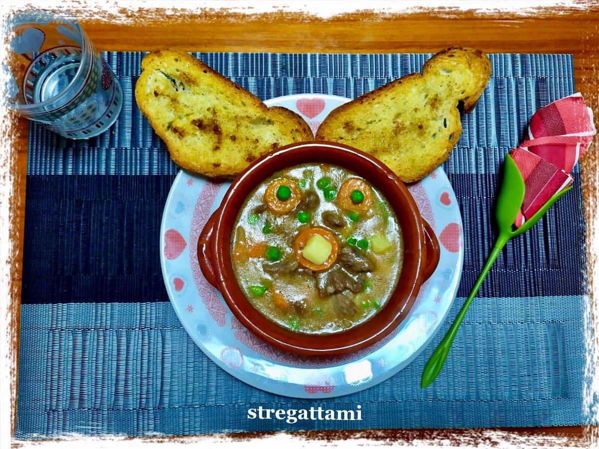 """Oggi nella mia cucina ho preparato lo """"Beef Stew"""" versione stregattami#14May #14maggio #StayAtHome #NellaMiaCucina #RecipeOfTheDay #recipe #ricettadelgiorno #madeinhome #cheflife #iorestoacasaecucino #ricette  #moodoftheday #andratuttosuifianchi #QuarantineAFood #accadeoggipic.twitter.com/t0dIJ4tAh8"""