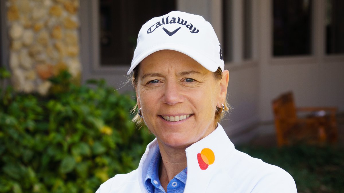 Golf legend @ANNIKA59 is going live on our Twitter channel TODAY at 5:30pm ET! Join us for a #Priceless experience you can enjoy at home: a quick round of golf tips and tricks with Annika and her family.