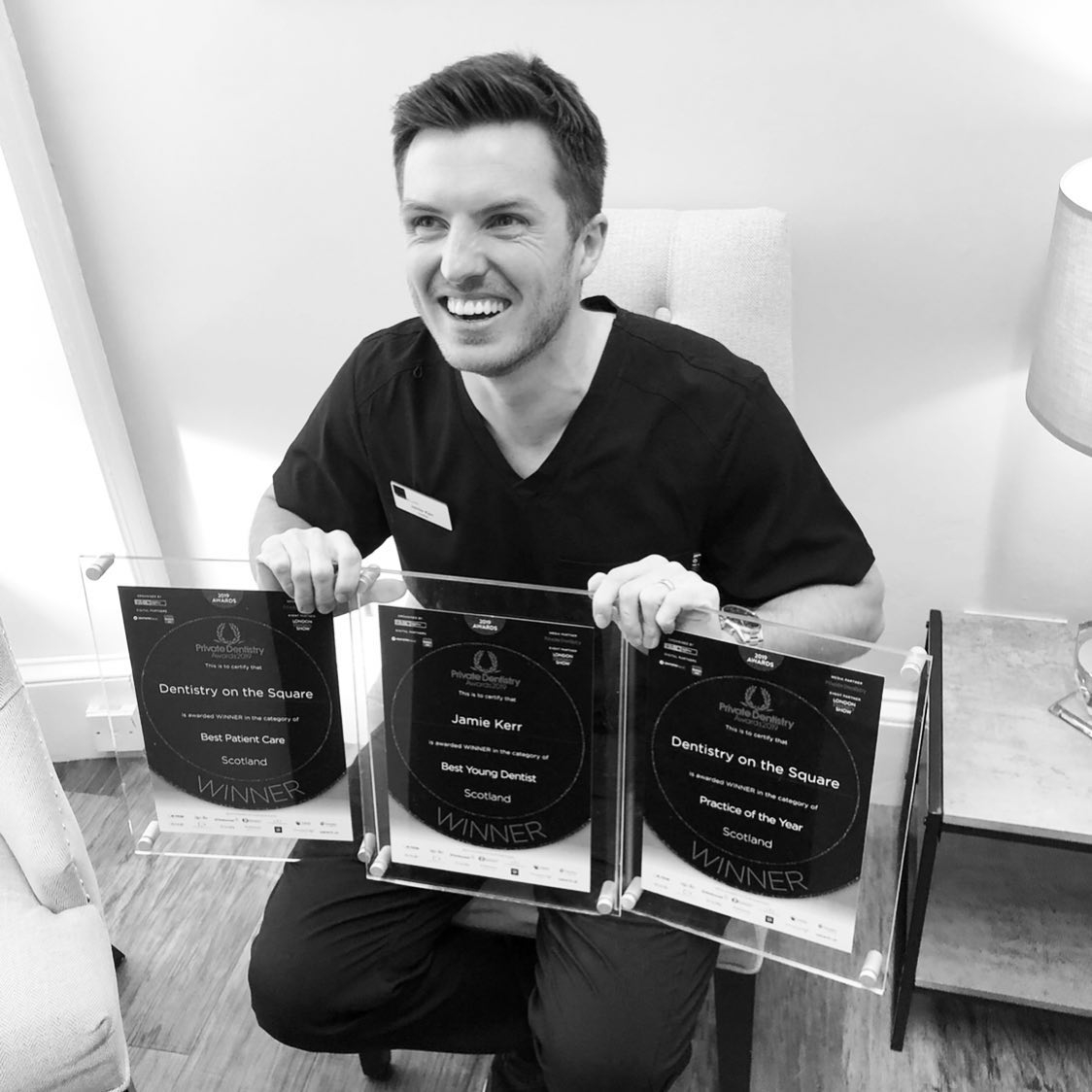 """Dental Awards!   """"At Dentistry on the Square we pride ourselves in delivering 5-star customer service and world class  𝙋𝘼𝙄𝙉 𝙁𝙍𝙀𝙀 dental care in a relaxed, friendly environment.  #dentalimplants #painfreedentistry #smilemakeover #digitalsmiledesign pic.twitter.com/gEHOPfn5zn"""