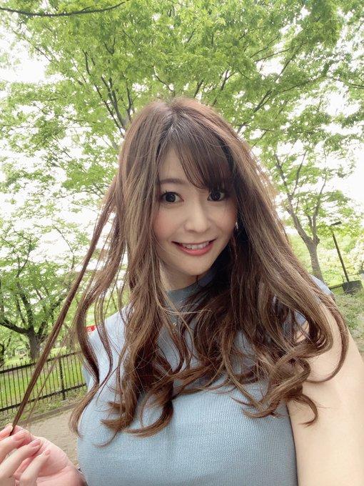 AV女優葵百合香のTwitter自撮りエロ画像4