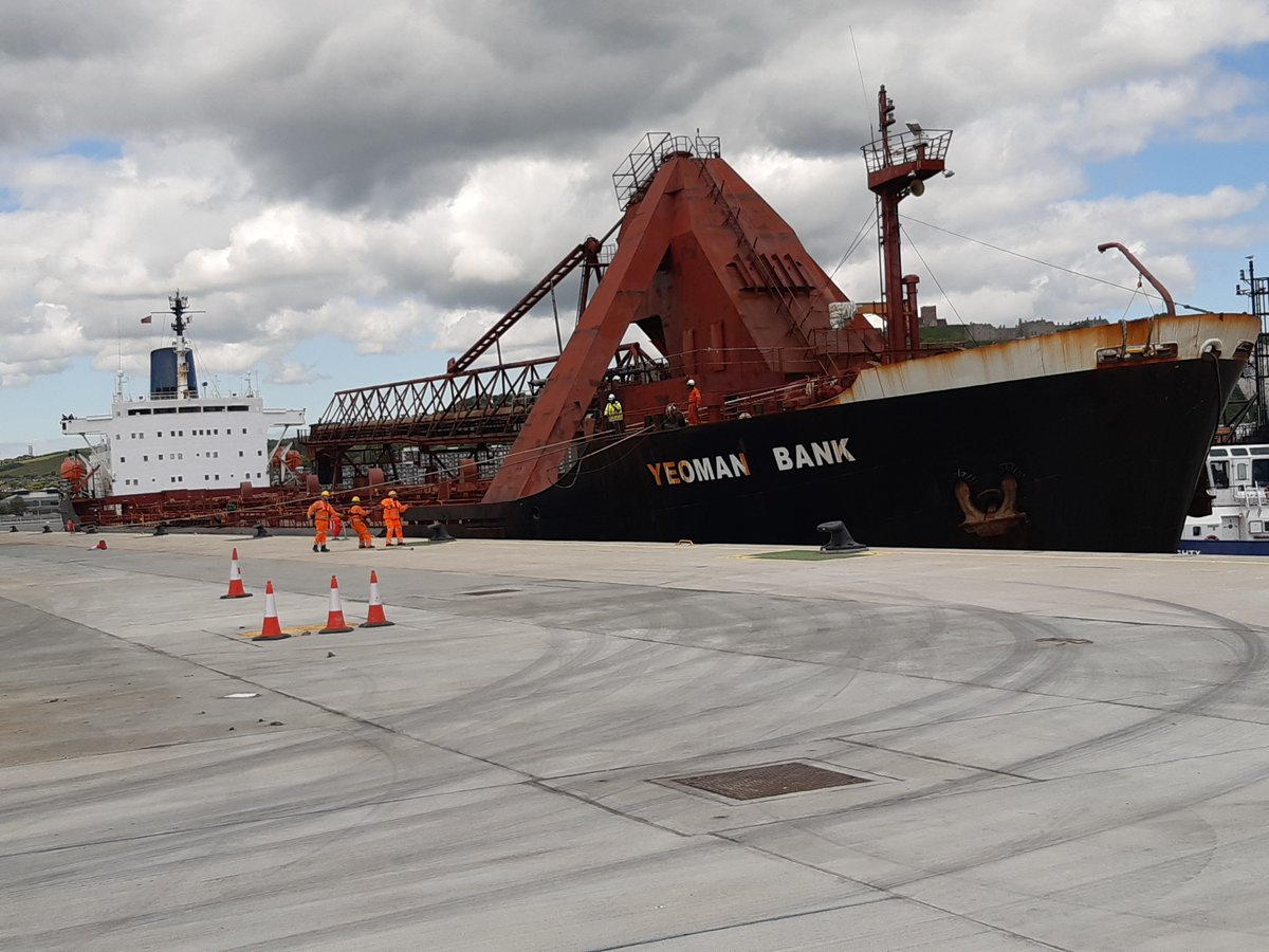 Full house in the new Dover #Cargo Terminal with new customer @AggregateUK delivering 30k tonnes of aggregate, while rape seed is loaded for export & rock armour taken off for local sea defences #bulkcargo #logistics #shipping #grain @ClarksonsGlobal @Hammond_Agency