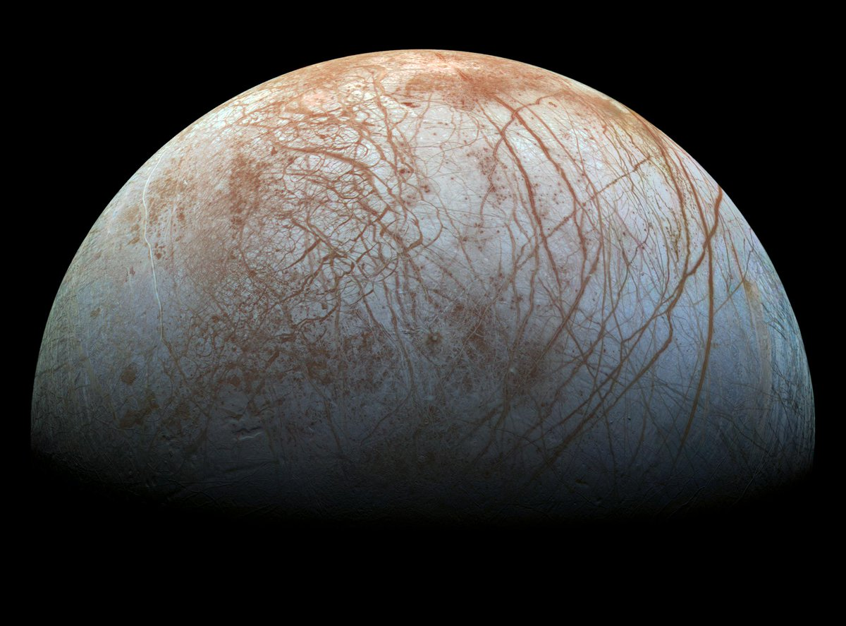 New evidence has been found of watery plumes on #Jupiter's moon #Europa in a recent study investigating 20-year-old data from NASAs Galileo mission. This is very exciting for our #Juice mission, being prepared for launch in 2022 👉 esa.int/ESA_Multimedia…