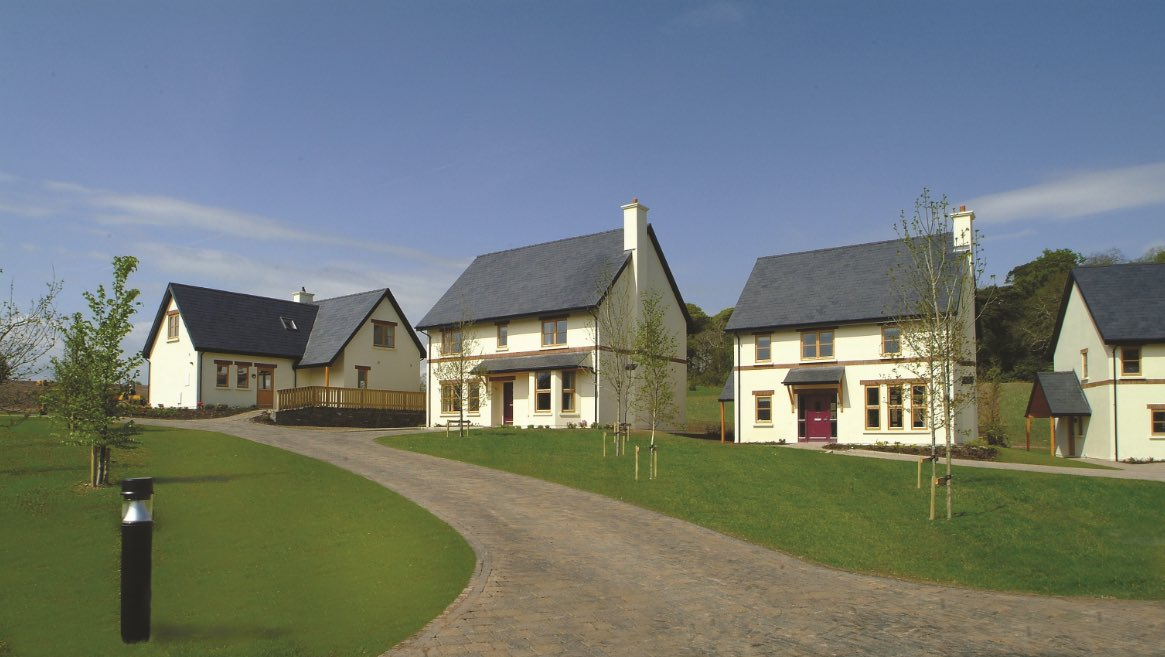 The Lodges at Fota Island Resort are an ideal choice for a self-catering holiday this year. With 2,3, & 4 bed lodges available, there's plenty of space for couples, families or small groups of friends 🏡 For more info on our lodges and a 7 day itinerary 👉🏼 https://t.co/rGZmY6ug3A https://t.co/RN2llrKRcO
