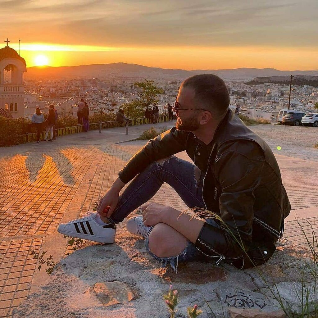 Shot on point  By @fanisbozioris  Check him out #justlift #classydapper #dailysuits #golazo #mensblog #wtwt #dapperlydone #malefashion #bestcasualoutfit #tailoredsuit #suituptime #dapperlife #outfitinspiration #absolutebespoke #keepsu… https://instagr.am/p/CAGg_DVI9AK/pic.twitter.com/yPYFpxHVvv
